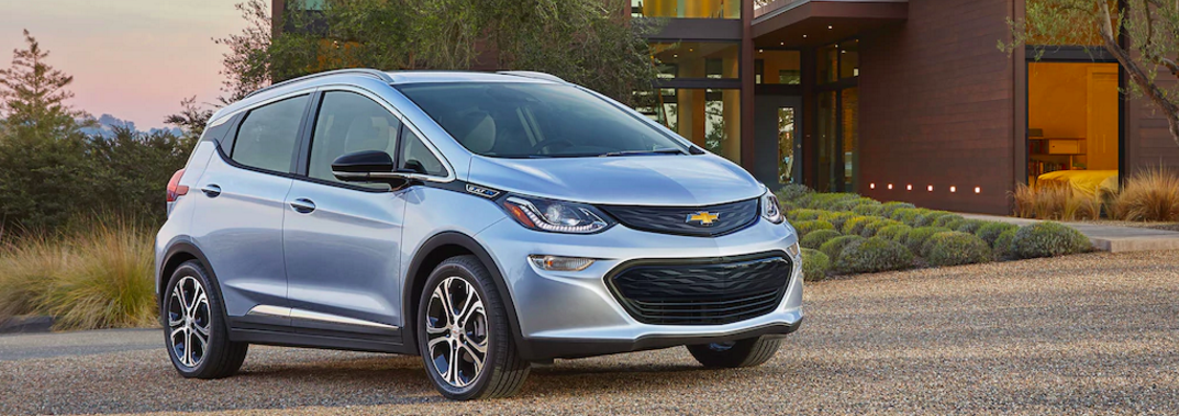 2017-chevy-bolt-ev.png