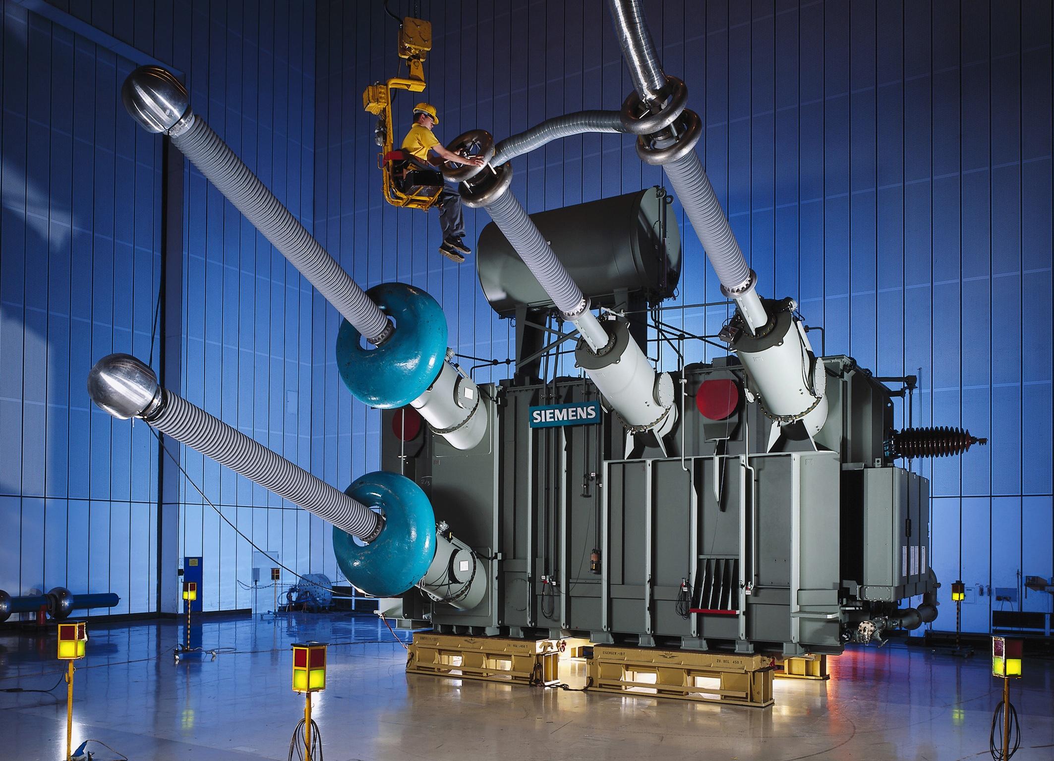 2.2_HVDC-transformer.jpg