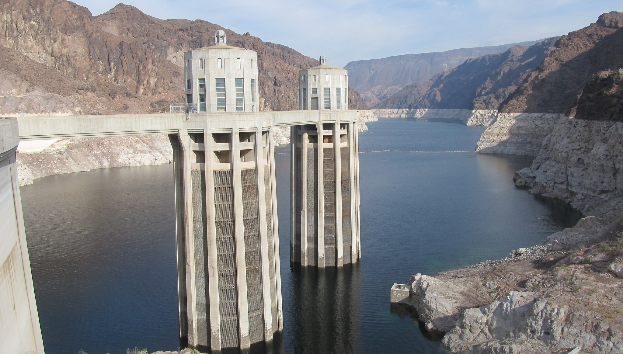 hoover-dam-low-water-2014-823706-edited