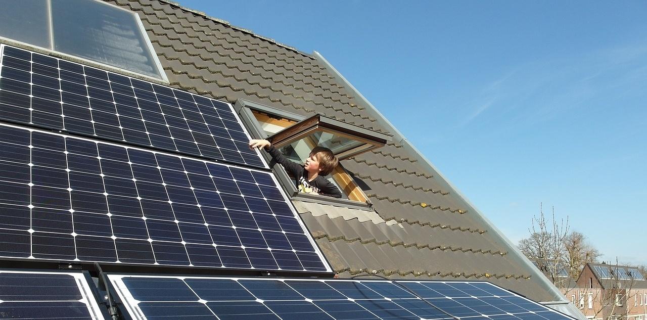 solar-panels-681979_1280-136968-edited